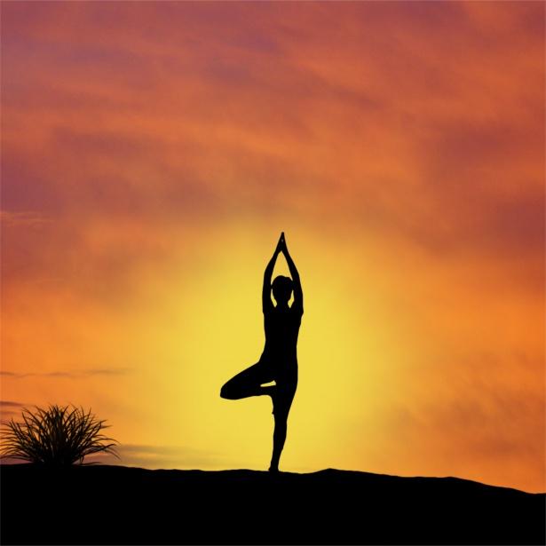 atardecer-yoga.jpg